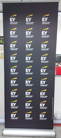 Roll Up Bunting Banner Stand